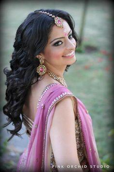 Indian Bridal Hair/Makeup  more inspiration www.weddingstoryz... Wedding Storyz   Indian Bride   Indian Wedding   Indian Groom   South Asian   Bridal wear   Lehenga details   Bridal Jewellery   Makeup   Hairstyling   Indian   South Asian   Mandap decor   Henna Mehendi designs