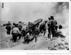 Les opérations aux Dardanelles, batterie anglaise en action [canons] : [photographie de presse] / [Agence Rol] - 1