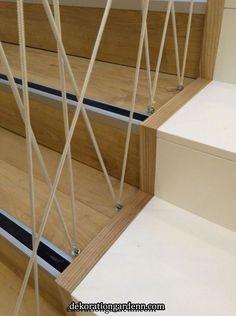 Fótliget egyedi korlát Enter Team - Home Decor Diy Stair Railing, Staircase Railings, Railing Design, Staircase Design, Railing Ideas, Loft Stairs, House Stairs, Stair Makeover, Modern Stairs