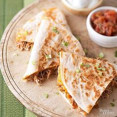 Barbecue Chicken and Cheddar Quesadillas Barbecue sauce and green chili peppers add zing to this Mexican skillet sandwich recipe. Serve with sour cream and salsa for dipping.