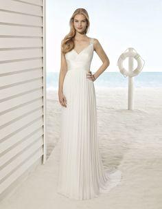 Robe Ubio #collection 2018 #beach #airebarcelona ! #robesdemariee #robes #wedding #weddingdress #dress #bridal #mariée #mariage