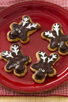Chocolate Chip Reindeer Cookies - 14 Pretty Rudolph Christmas Treats | GleamItUp