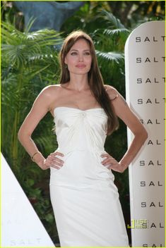 Angelina Jolie: 'Salt' Photo Call in Mexico!