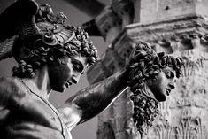 Ancient Greek Sculpture, Greek Statues, Ancient Art, Perseus Und Medusa, Archangel Michael Tattoo, What Is An Artist, Greek Mythology Tattoos, Victor Hugo, Vaporwave Art