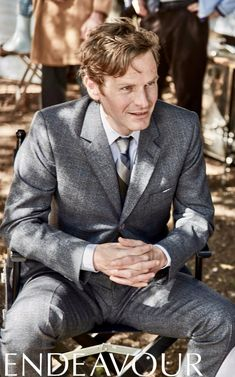 endeavour Detective, Endeavour Morse, Shaun Evans, Bbc Tv Shows, Good Looking Actors, Ashton Kutcher, Celebs, Celebrities, Summer Tops