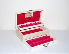 Vintage Jewelry Box by CheekyVintageCloset on Etsy, $32.00
