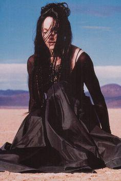 """Madonna- """"Frozen"""", music video surreal masterpiece !"""
