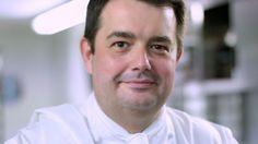 Le chef étoilé Jean-François Piège nous livre sa recette inratable de la sauce César.
