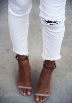 white ripped skinnies + heels