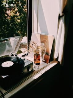 The one thing every home needs: a record player. by evakamaratou My New Room, My Room, Humble Abode, Decoration, Interior And Exterior, Sweet Home, Room Decor, In This Moment, Pictures