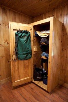 tack lockers @Sheri | Pork Cracklins Sarata More easily done than an entire room! :) Pretty please?