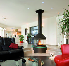 Die Kamine von Diligence International sind absolute Eyecatcher, die jeden Raum bereichern und jeder Einrichtung ein ganz besonderes Flair verleihen. So steht nicht nur das Feuer im Fokus, sondern auch der Kamin selbst.