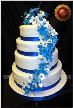 Blue Beautiful Cakes, Amazing Cakes, Candy Store, Let Them Eat Cake, Blue Wedding, Sweet 16, Fondant, Cake Decorating, Wedding Cakes
