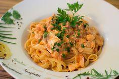 Tagliatelle al Salmone, ein gutes Rezept aus der Kategorie Kochen. Bewertungen: 512. Durchschnitt: Ø 4,6.