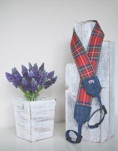 camera strap, piękna zawsze modna szkocka krata ;)