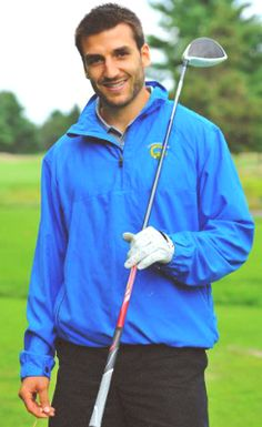 Not sure if Patrice Bergeron.Or golf model. Really though, how much does this look like a golf magazine photoshoot? Hockey Baby, Hockey Teams, Hockey Players, Patrice Bergeron, Dont Poke The Bear, Boston Bruins Hockey, Golf Magazine, Golf Player, Play Golf