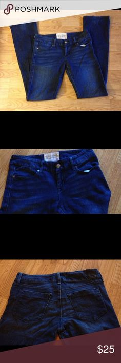 Dylan George Ladies jeans sz 28 Great pair of jeans very well made. See pics and feel free to ask questions Dylan George Jeans