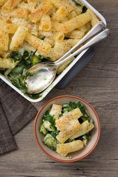 """Pasta gratinata con gli spinaci e zola: una ricetta  """"svuotafrigo"""" che conquisterà tutti.  [Gratin pasta with spinach and gorgonzola cheese]"""