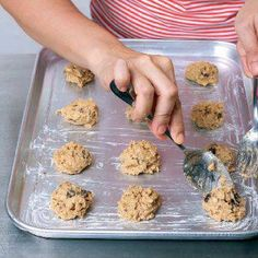 How To Make Granola Cookies | Yummy Lessons - Baking| Yummy.ph - the Philippine online recipe database