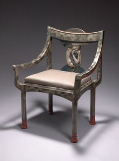 Aestheticus Rex: Of Serpents and Sirens: Rare Eileen Gray Chair on the Block at Christie's Mcm Furniture, Art Deco Furniture, Furniture Styles, Furniture Design, Furniture Ideas, Eileen Gray, Grey Chair, Armchair, Settee