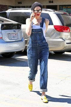 Of course she's wearing overalls like a boss. #refinery29 http://www.refinery29.com/2016/03/105927/gwen-stefani-style-pictures#slide-28