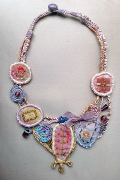 Фото Even though title of jewellery is called bijouterie today, persons generally think of jewellery Fiber Art Jewelry, Paper Jewelry, Textile Jewelry, Fabric Jewelry, Boho Jewelry, Jewelry Crafts, Jewelry Art, Beaded Jewelry, Jewelery