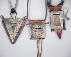 Hinges Doors Book and Lockets with Mary Hettmansperger Level: All Levels Technique: Design, Metalsmithing, Mixed Materials, Wire Work