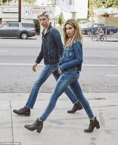Tommy Hilfiger Denim has reunited with Hailey Baldwin and Lucky Blue Smith for its fall-winter 2016 campaign. The advertisements are called Hailey Baldwin & Hilfiger Denim, Tommy Hilfiger, Lucky Blue Smith, Hailey Baldwin, Fashion Couple, Look Fashion, Couple Photography, Fashion Photography, Creative Couples Photography