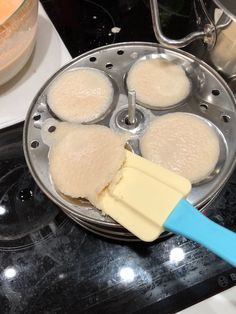 5.2.2018 Idlis Ok the bad smell is gone and I can understand how some people will eat this with curry, I would still prefer naan bread, even tho its not as healthy.