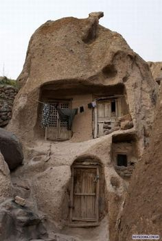 Kandovan is a tourist village in the province of East Azarbaijan, near Osku and Tabriz, Iran. Its fame is due to its troglodyte dwellings...