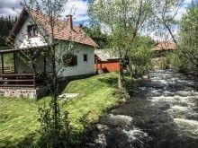 Szállás Ivó — Travelminit.ro Cabin, House Styles, Plants, Home Decor, Decoration Home, Room Decor, Cabins, Cottage, Plant