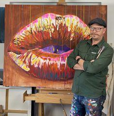 Malerier som forestiller en mund med læber af kunstner Allan Buch. Flotte farverige malerier i spontane farver. portrætmalerierne er malet i vilde farver. Du kan også bestille dit eget motiv. farverig portræt maleri