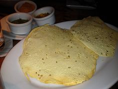 Bread service from Sanaa with lentil pappadums #glutenfree #dairyfree #vegan #foodallergy #disney