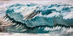 Stunning high-speed photos make crashing ocean waves appear to be frozen in time » Lost At E Minor: For creative people
