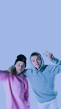 Marcus & Martinus. Marcus Y Martinus, M Wallpaper, Love U Forever, My Boo, Cute Wallpapers, Cute Boys, Good Music, Bae, Twins