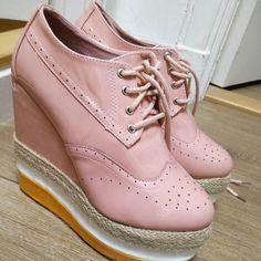 Klein? Wie ik? Sky is the limit  #love  #highheels #shoes #thinkoutsidethebox #trending #glamour #edgy