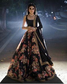 Indian Bridesmaid Dresses, Indian Gowns Dresses, Indian Fashion Dresses, Dress Indian Style, Indian Designer Outfits, Designer Dresses, Black Indian Gown, Party Wear Indian Dresses, Indian Fashion Designers