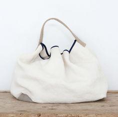¿No sientes cómo se acerca el verano? ¿Tienes ya tu Allwelove de temporada? #handmade #moda #accessorios #bags #musthave #Hechoamano #Madeinspain #bolsosunicos