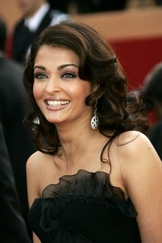 Aishwarya Rai is said to be the most beautiful actress in Bollywood and many consider her the most beautiful woman in the world. She has seen unparalleled success in film, but never kisses or portrays sexual intimacy on screen. Modesty is beautiful.