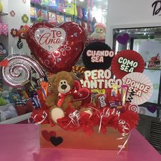 Creaciones D'encantos C.A. 🌺 (@dencantos)   Instagram photos and videos Valentines For Kids, Valentine Day Gifts, Valentine Flower Arrangements, Bee Drawing, Teddy Bear Gifts, I Really Love You, Candy Bouquet, Candy Party, Gift Baskets