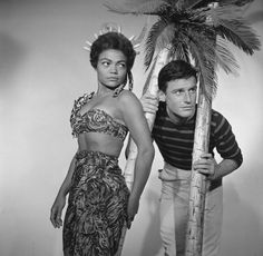 Eartha Kitt and Roddy McDowall in a publicity photo for the Playhouse 90 episode 'Heart of Darkness' in 1958 Vintage Black Glamour, Vintage Style, Eartha Kitt, Gone Girl, Planet Of The Apes, Iconic Women, Old Hollywood, Hollywood Stars, Classic Movies