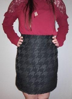 Kup mój przedmiot na #vintedpl http://www.vinted.pl/damska-odziez/spodnice/18157477-czarna-olowkowa-w-pepitke-szpodniczka-hm