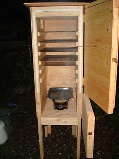 insulated plywood/propane smoker or use as a cold smoker with a little duct work. Backyard Smokers, Outdoor Smoker, Outdoor Oven, Propane Smokers, Wood Smokers, Smoke House Plans, Fish Smoker, Custom Smokers, Barbecue