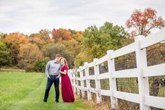 pittsburgh engagement photographer, ewing park engagement photos, pittsburgh wedding photographer, what to wear for fall engagement photos