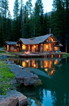 Cabin House by the Lake ♡