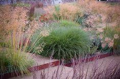 Perennial meadow crossed by gravel paths. Gardening Magazines, Gardening Books, Flower Gardening, Gardening Tips, Dutch Gardens, Small Gardens, Plant Design, Garden Design, Landscape Design