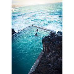 Black point pool, Honolulu, Hawaii ✨