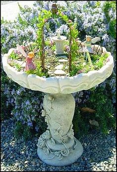 Birdbath Fairy Garden...awe Faith would love to make this with me