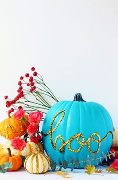 Add Some Sparkle to Your Halloween Decor With These DIY Glitter Pumpkins Halloween Designs, Halloween Crafts, Halloween Decorations, Glitter Decorations, Halloween Party, Modern Halloween, Halloween Painting, Fall Decorations, Halloween Ideas