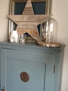 painting the past kleur petrol! Country Cottage Living Room, Home Living Room, Painted Furniture, Diy Furniture, Wooden Wreaths, Xmas Wishes, Cosy Corner, Home And Deco, Wood Pallets